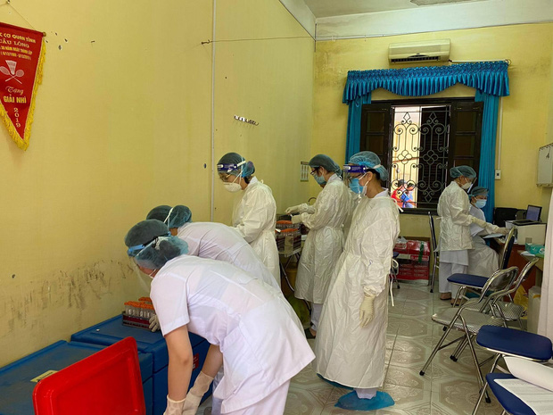 Số ca nhiễm tại ổ dịch mới tăng đột biến lên 35, Bắc Giang cấp bách ứng phó - Ảnh 1.