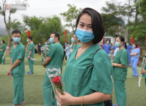 200 bác sĩ Quảng Ninh tình nguyện lên đường chi viện tâm dịch tại Bắc Giang - Ảnh 13.