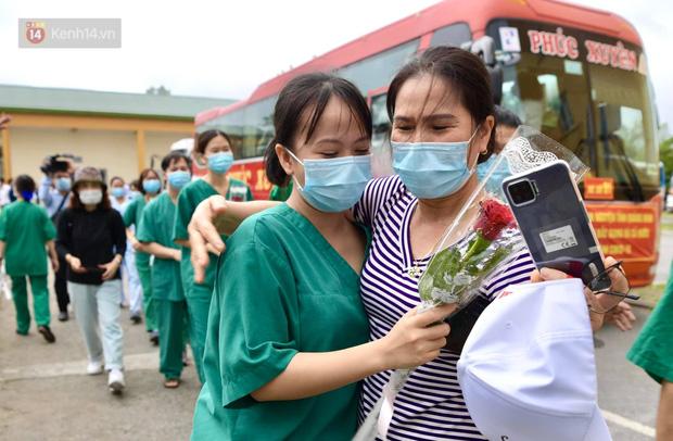 200 bác sĩ Quảng Ninh tình nguyện lên đường chi viện tâm dịch tại Bắc Giang - Ảnh 17.