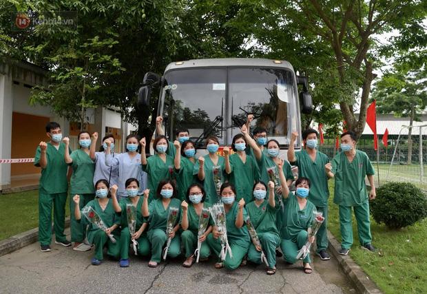 200 bác sĩ Quảng Ninh tình nguyện lên đường chi viện tâm dịch tại Bắc Giang - Ảnh 18.