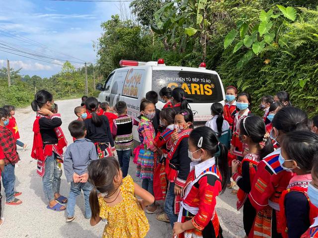 Ông Đoàn Ngọc Hải đã hồi phục sức khoẻ, tạm thời dừng đi phân phát sữa cho trẻ em vùng cao  - Ảnh 3.