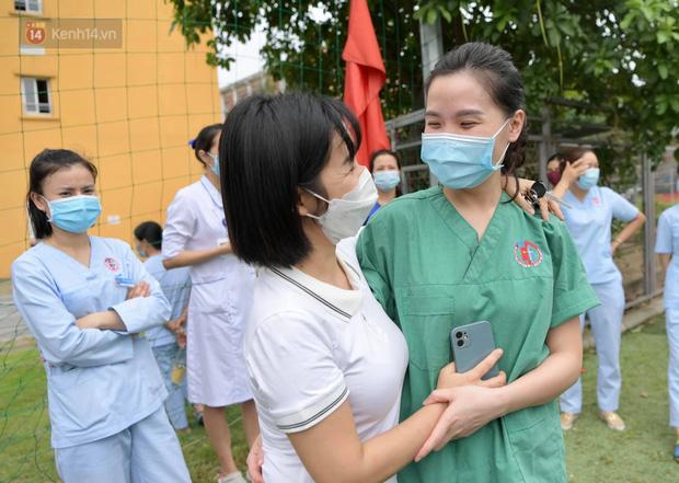 200 bác sĩ Quảng Ninh tình nguyện lên đường chi viện tâm dịch tại Bắc Giang - Ảnh 4.