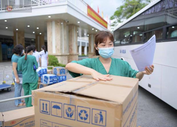 200 bác sĩ Quảng Ninh tình nguyện lên đường chi viện tâm dịch tại Bắc Giang - Ảnh 5.