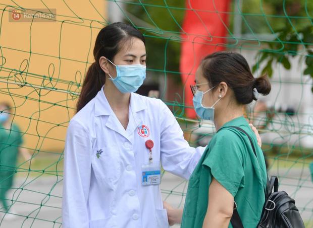 200 bác sĩ Quảng Ninh tình nguyện lên đường chi viện tâm dịch tại Bắc Giang - Ảnh 7.