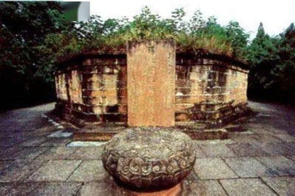 Bí ẩn gây tranh cãi về mộ Lưu Bị: Di hài cả tháng trời vẫn không phân hủy dù qua đời giữa mùa hè? - Ảnh 2.