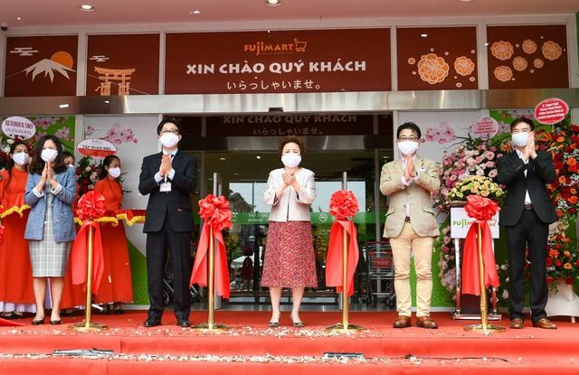 Đặt cược vào tiềm năng ngành bán lẻ Việt Nam, đại gia Nhật Bản có hơn 50 năm kinh nghiệm bắt tay cùng tập đoàn BRG mở siêu thị thứ 3 tại Hà Nội - Ảnh 1.