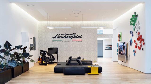 Bên trong câu lạc bộ VIP Lamborghini Lounge: Muốn bước chân vào cửa phải có giấy mời và đang sở hữu siêu xe  - Ảnh 1.