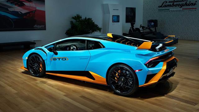 Bên trong câu lạc bộ VIP Lamborghini Lounge: Muốn bước chân vào cửa phải có giấy mời và đang sở hữu siêu xe  - Ảnh 4.