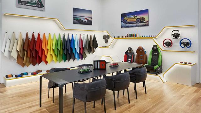 Bên trong câu lạc bộ VIP Lamborghini Lounge: Muốn bước chân vào cửa phải có giấy mời và đang sở hữu siêu xe  - Ảnh 7.