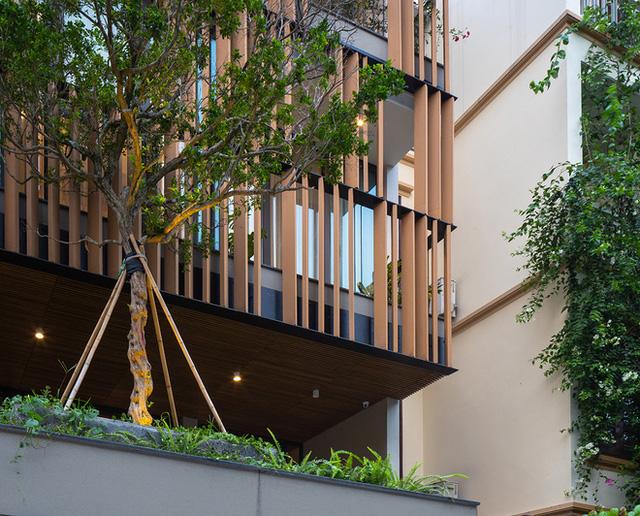 Vợ chồng xây nhà 6 tỷ với mặt tiền chất nhất dãy phố, KTS khuyên: Đừng biến không gian sống thành siêu thị đồ nội thất  - Ảnh 2.