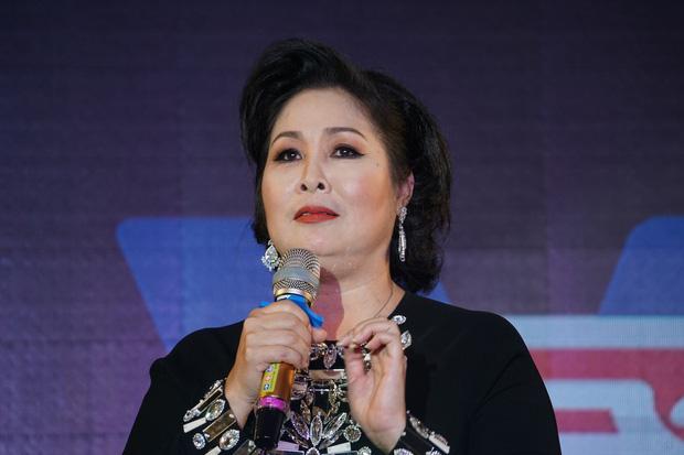 Toàn cảnh drama bà Phương Hằng và dàn sao Vbiz: Mỗi ngày đều réo tên NS Hoài Linh, đòi kiện Hồng Vân, khiến cả showbiz dậy sóng - Ảnh 16.