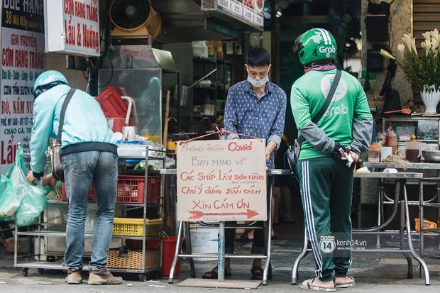 Quán xá Hà Nội thay đổi 180 độ sau công điện hoả tốc: Hàng loạt nơi rục rịch đóng cửa tạm thời, treo biển chỉ bán mang về - Ảnh 19.