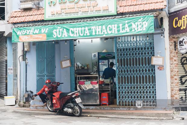 Quán xá Hà Nội thay đổi 180 độ sau công điện hoả tốc: Hàng loạt nơi rục rịch đóng cửa tạm thời, treo biển chỉ bán mang về - Ảnh 21.