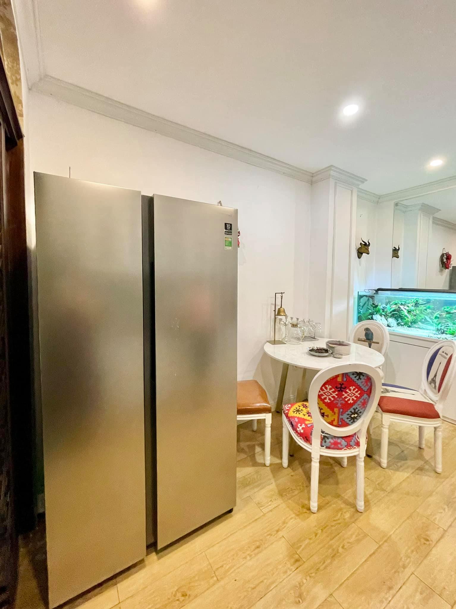Ngôi nhà kết hợp style Á Âu của cặp vợ chồng trẻ: Phòng khách kê toàn tủ đá quý chắn lối đi, phòng ngủ sơn xanh lam khó-rời-mắt - Ảnh 6.