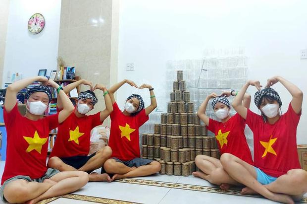 1.000 hũ muối vừng từ TP.HCM tiếp sức cho tâm dịch Bắc Giang, hành động nhỏ nhưng ý nghĩa lớn - Ảnh 1.