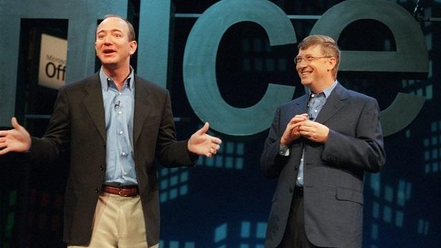 Điểm chung của Bill Gates và Jeff Bezos: Đều thích rửa bát - Ảnh 1.