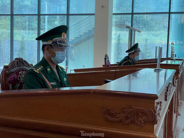 4/5 chuyên gia Trung Quốc dương tính với SARS-CoV-2 sau khi trở về từ Việt Nam - Ảnh 2.