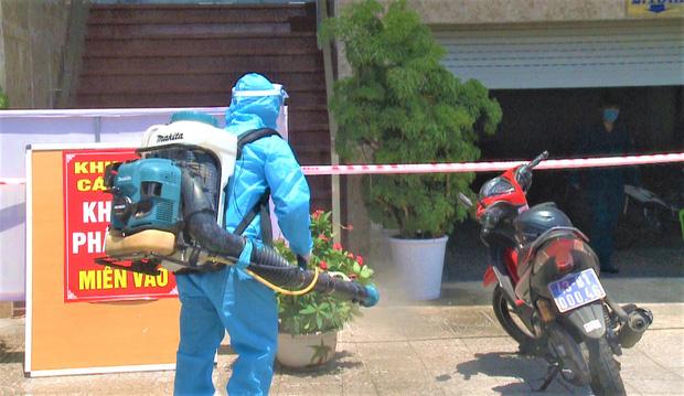 Đà Nẵng: Nữ nhân viên khu vực massage khách sạn Phú An dương tính lần 1 với SARS-CoV-2, khẩn trương truy vết người tiếp xúc - Ảnh 3.