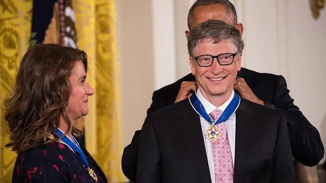 Cuộc hôn nhân 27 năm của vợ chồng tỷ phú Bill Gates qua những bức ảnh - Ảnh 8.