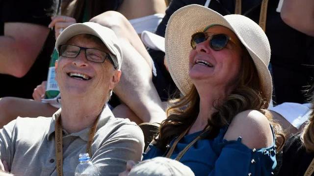 Cuộc hôn nhân 27 năm của vợ chồng tỷ phú Bill Gates qua những bức ảnh - Ảnh 10.