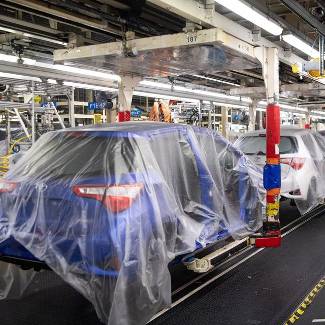 Cuộc khủng hoảng chưa từng có tiền lệ khiến ngành ô tô toàn cầu phải thay đổi mô hình tồn tại đã 50 năm nay  - Ảnh 1.