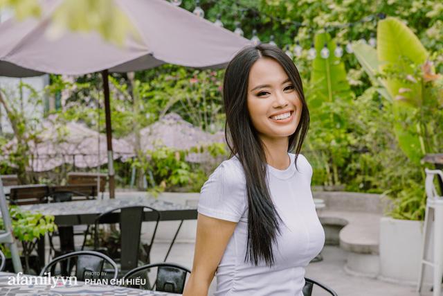 Hồng Quyên - nữ MC bỏ việc đạp xe xuyên Việt và Đông Nam Á kể chuyện mỗi ngày xin cơm ăn, tìm chỗ ngủ và cách vượt qua trăm ngàn nỗi sợ kiểu phụ nữ - Ảnh 1.