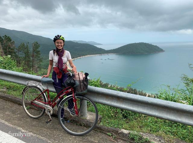 Hồng Quyên - nữ MC bỏ việc đạp xe xuyên Việt và Đông Nam Á kể chuyện mỗi ngày xin cơm ăn, tìm chỗ ngủ và cách vượt qua trăm ngàn nỗi sợ kiểu phụ nữ - Ảnh 2.