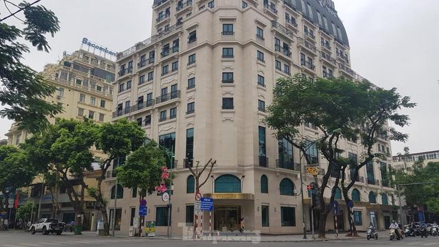 Chung cư giá rẻ mất hút, 'choáng váng' căn hộ hạng sang gần 300 triệu đồng/m2  - Ảnh 2.