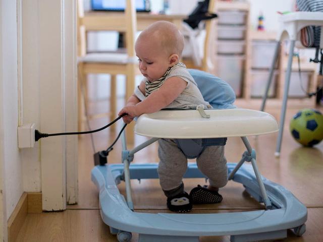 7 mối nguy hiểm tiềm tàng trong nhà, không cẩn thận sẽ khiến trẻ bị thương nghiêm trọng  - Ảnh 2.