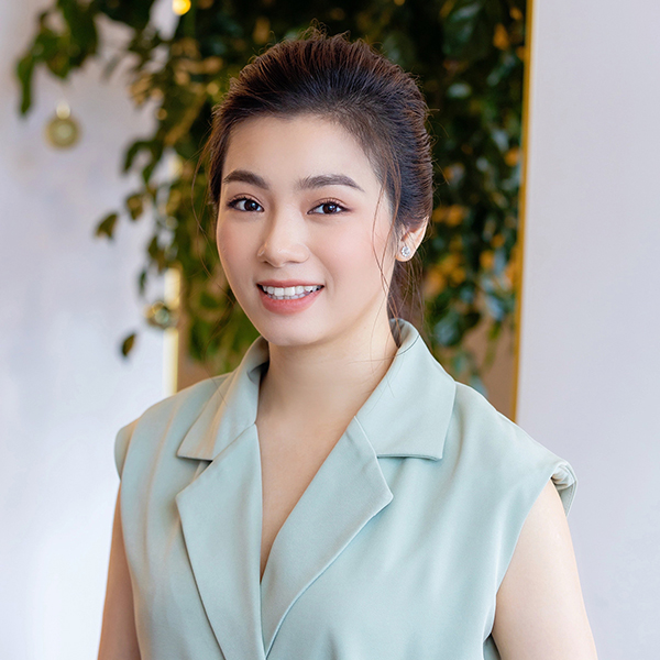 Đào Hồng Nhung - Người mẹ 2 con sáng làm văn phòng, tối làm CEO hai công ty, chia sẻ cuộc sống đầy bất ngờ khi làm dâu của mẹ chồng là Tiến sĩ Tâm lý - Ảnh 1.