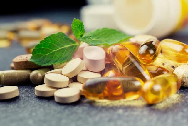 Người đàn ông bị suy gan, suýt mất mạng chỉ vì uống thuốc bổ, bác sĩ cảnh báo 3 cách tưởng dưỡng gan nhưng lại có hại  - Ảnh 4.