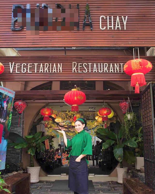 Giữa ồn ào với con trai nuôi Hồ Văn Cường, nhà hàng chay của ca sĩ Phi Nhung nhận bão 1 sao từ cộng đồng mạng - Ảnh 1.