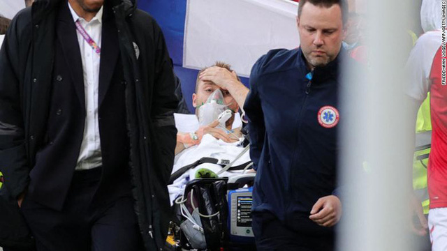 Vì sao Eriksen đổ gục trên sân? Chuyên gia tim mạch chỉ ra 2 khả năng  - Ảnh 3.