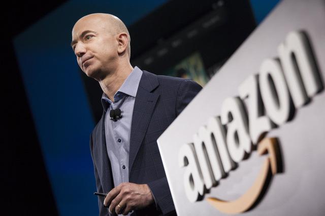 Tỷ phú Jeff Bezos: Để sống hạnh phúc và chẳng còn gì hối tiếc ở tuổi 80, hãy tự hỏi bản thân 12 câu này  - Ảnh 1.