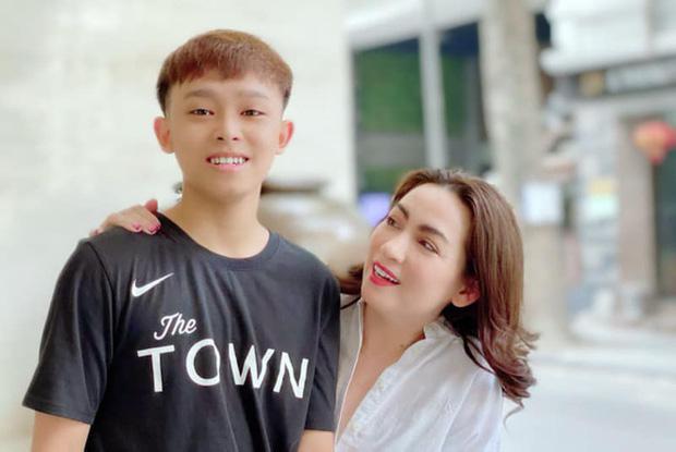 NS Hoài Linh và Phi Nhung bất ngờ lên sóng truyền hình VTC với chủ đề Nghệ sĩ và con nuôi: Ai nuôi ai? - Ảnh 5.