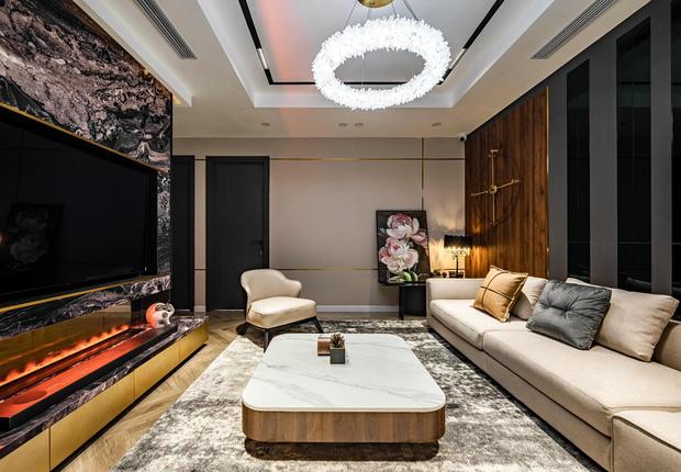 Căn hộ đập thông 140m2 thiết kế nội thất hiện đại, ấm cúng và hợp phong thủy: KTS khuyên cần chú ý điều này khi tân trang lại nội thất, nhà cửa  - Ảnh 1.