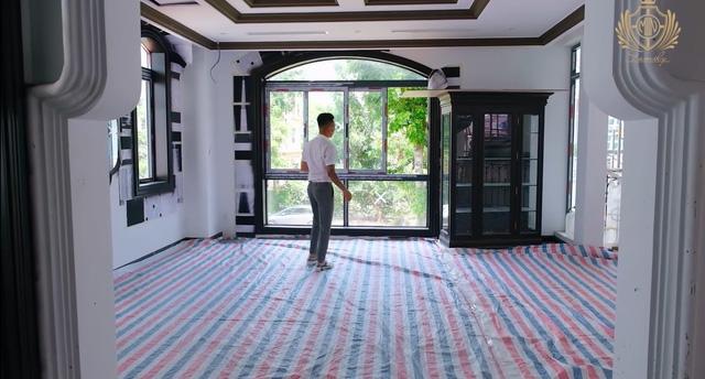Doanh nhân Minh Nhựa khoe một góc biệt thự mới đang xây, tiết lộ mua nhà vì chỗ đậu xe và… một cái cây  - Ảnh 6.