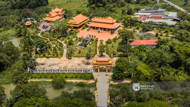 Toàn cảnh Nhà thờ Tổ 100 tỷ của NS Hoài Linh: Trải dài 7000m2, nội thất hoành tráng sơn son thếp vàng, nuôi động vật quý hiếm - Ảnh 3.