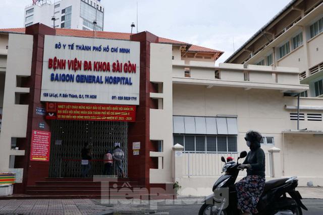 Bệnh viện đa khoa Sài Gòn tạm ngưng nhận bệnh nhân vì 5 ca F0 đến khám trong ngày  - Ảnh 1.