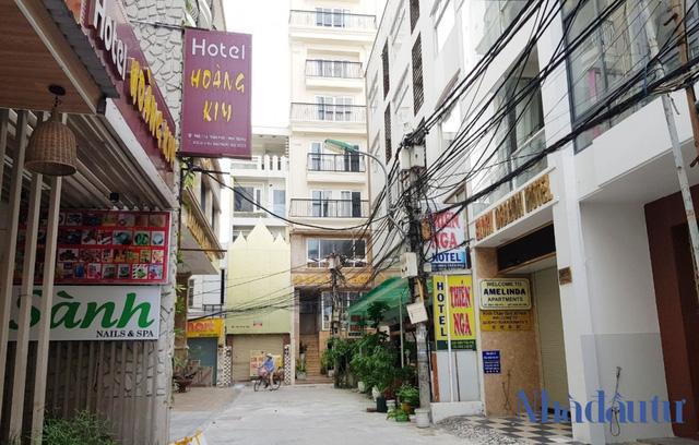 Rao bán hàng loạt khách sạn ở Nha Trang - Ảnh 1.