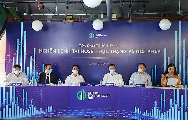 Ông Nguyễn Duy Hưng: Chúng ta nợ nhà đầu tư một lời xin lỗi - Ảnh 1.