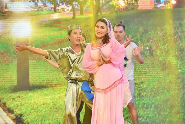 NS Hoài Linh từng gọi Phi Nhung là bà tiên vì chăm lo cho các trẻ em mồ côi - Ảnh 1.