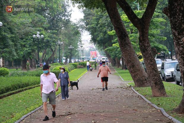 Từ 0h ngày 26/6, Hà Nội cho phép mở lại sân golf, các hoạt động thể dục, thể thao ngoài trời - Ảnh 1.