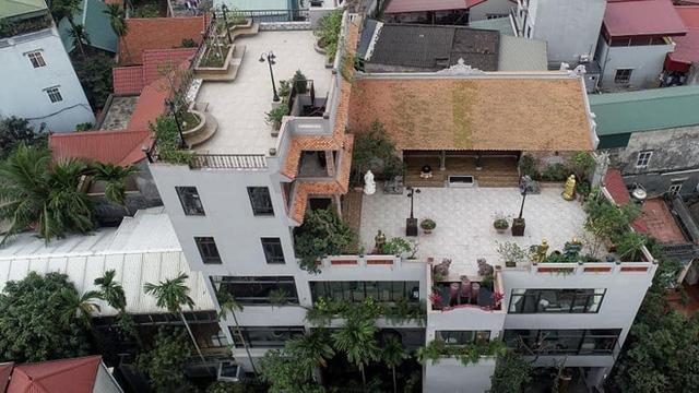 Nguyên một căn nhà cổ trăm tuổi trên tầng mái tạo nên ngôi nhà tân cổ giao duyên độc nhất vô nhị ở Việt Nam  - Ảnh 3.