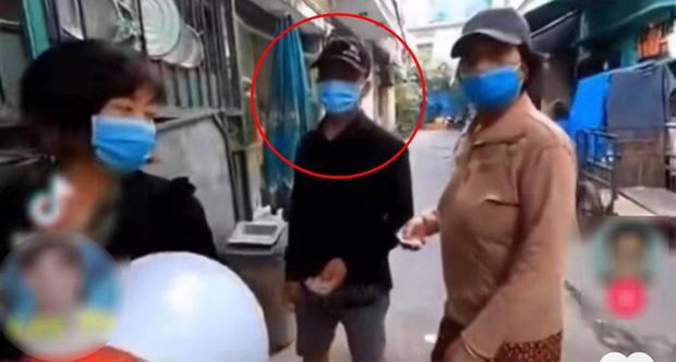 Tuấn Dương - chủ kênh YouTube từ thiện từ chối phát cơm cho người bụi đời, sơn móng tay - đeo vàng gây phẫn nộ MXH là ai? - Ảnh 2.