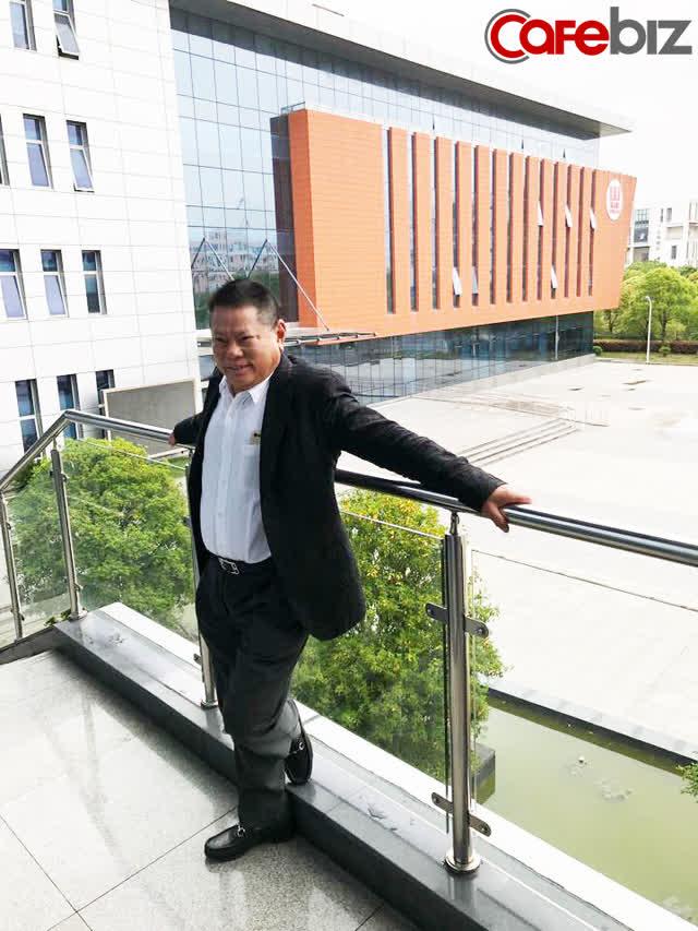 Tỷ phú Hoàng Kiều: Cả đời gắn bó với lĩnh vực huyết tương, trở thành tỷ phú nhờ doanh nghiệp hoạt động tại Trung Quốc, thích làm từ thiện và mê hoa hậu - Ảnh 2.