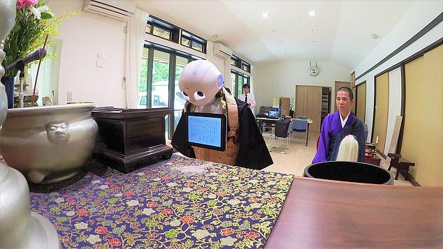 Từng lấy hàng loạt công việc của con người, giờ đây robot này liên tục bị sa thải vì khách hàng cần... con người - Ảnh 2.