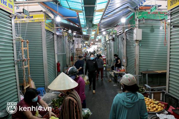 TP.HCM: Các chợ truyền thống được hoạt động trở lại - Ảnh 1.