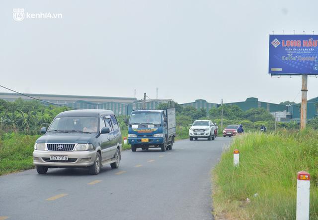 Ảnh: Ùn tắc kinh hoàng ở chốt cao tốc Pháp Vân-Cầu Giẽ, tài xế mệt mỏi vì đợi 2 tiếng chưa vào được Thủ đô  - Ảnh 16.
