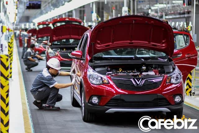 Tỷ phú Phạm Nhật Vượng chiêu mộ loạt nhân sự cấp cao từ Tesla, Toyota đến BMW, quyết nâng tầm VinFast thành hãng xe điện toàn cầu - Ảnh 1.
